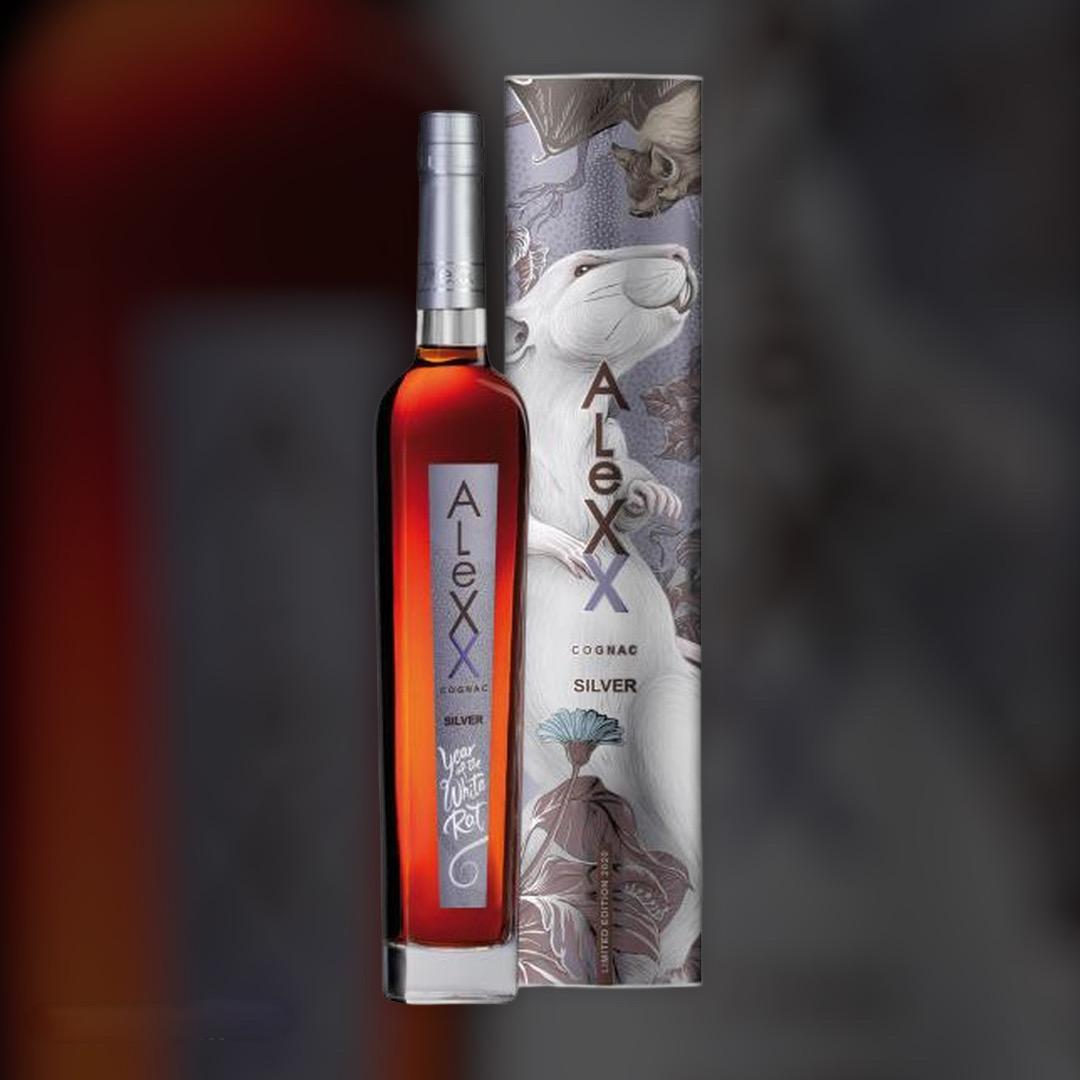 Бренди Таврия AleXX Silver в подарочной упаковке 40% 0,5 л